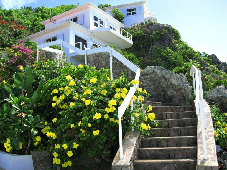 Shearwater Stairs to Bungalows