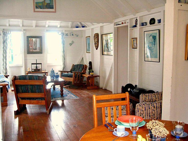 Eve Marie's Cottage Saba