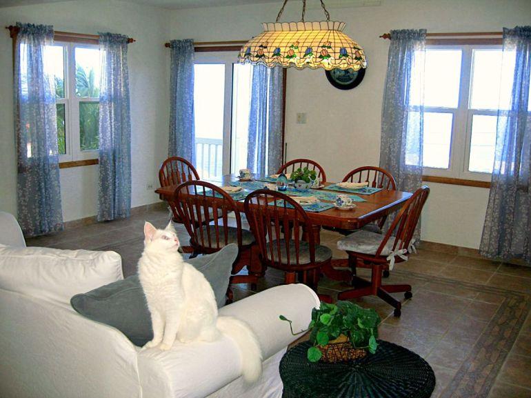 Elsie's Villa Dining Room