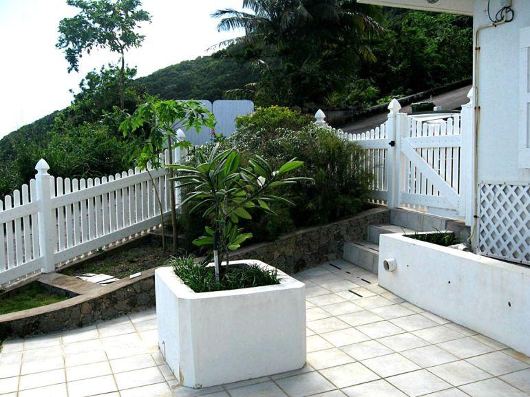 Elsie's Villa Garden