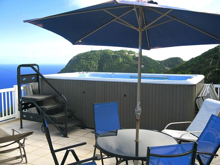 ELsie's Villa Pool Deck