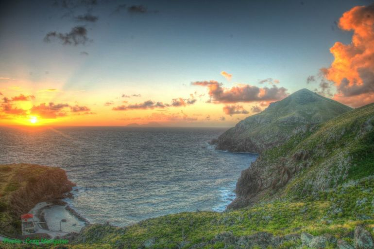 Sunrise Ridge Flat Point Saba