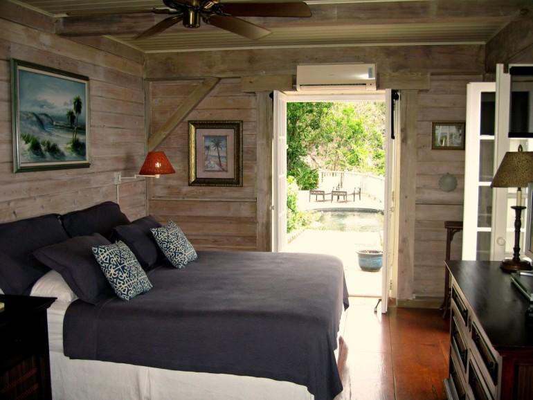 Hummingbird Villa Master Bedroom Saba