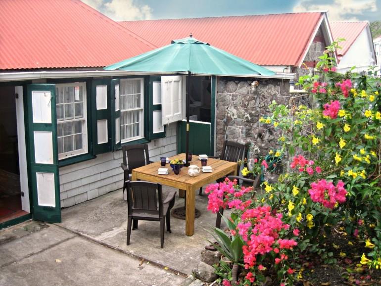 Althea Cottage Patio Saba