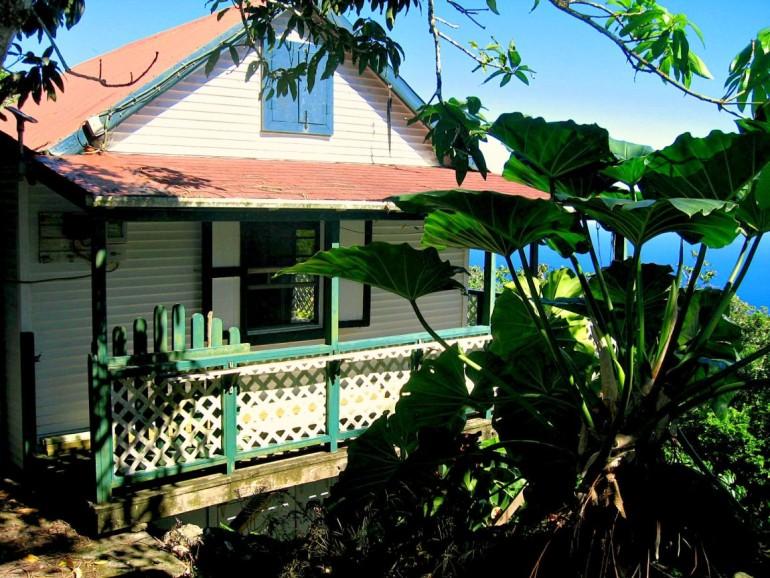 Emory's Cottage Saba