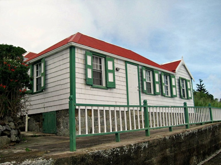 Maggie's Cottage For Sale Hell's Gate Saba