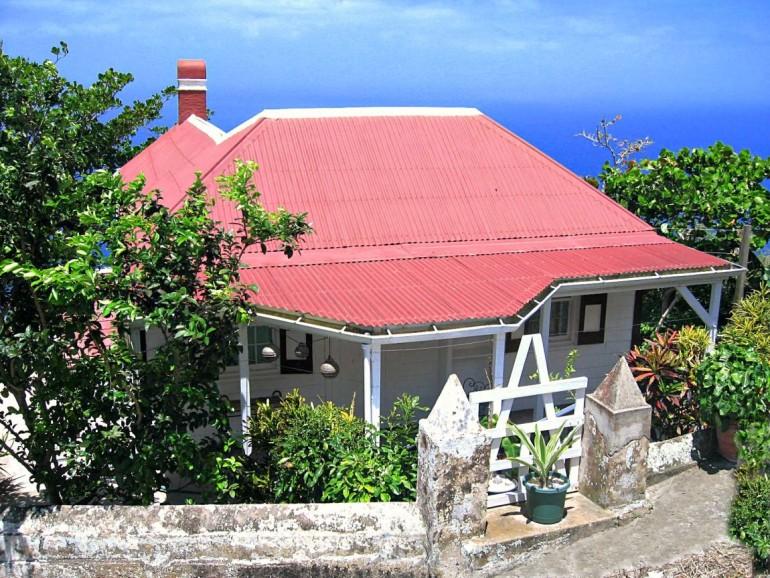 Constant Sea Breeze Cottage Saba Rental