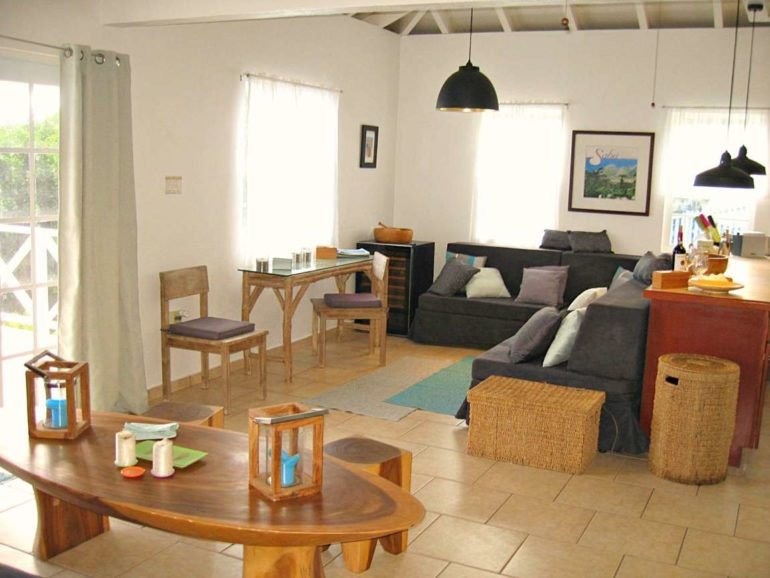 Blue Water Cottage -For Rent - Albert & Michael - Saba Island Properties