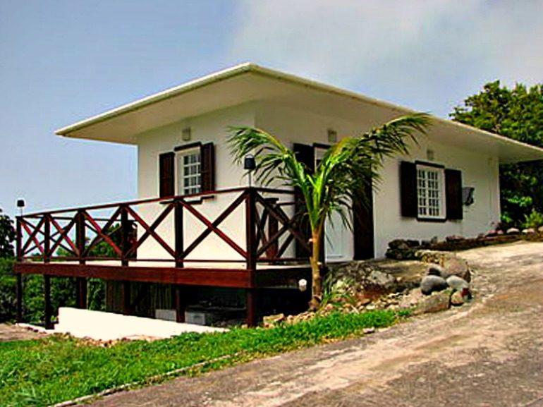 Mount Scenery Cottage in Contract Albert & Michael