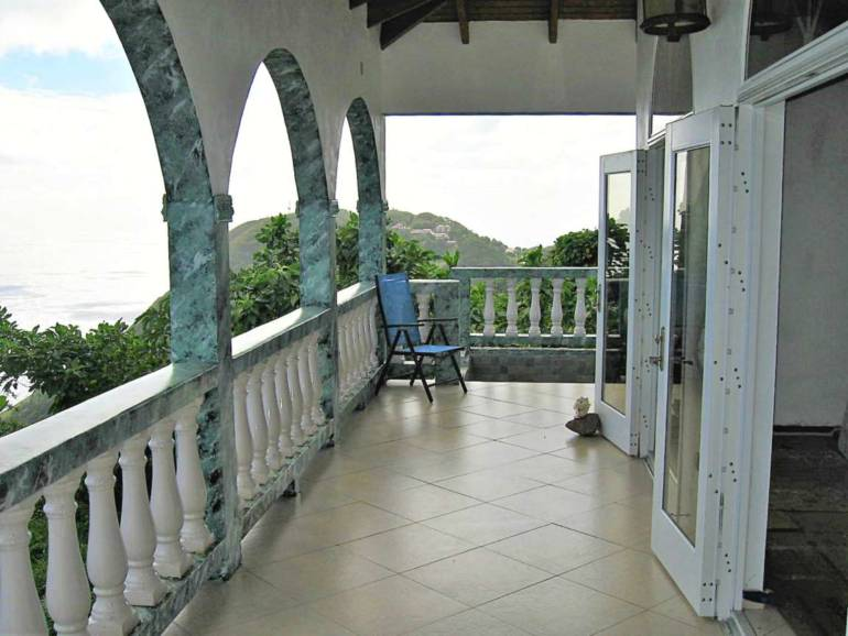 Hell's Gate Home For Sale - Albert & Michael - Saba Island Properties