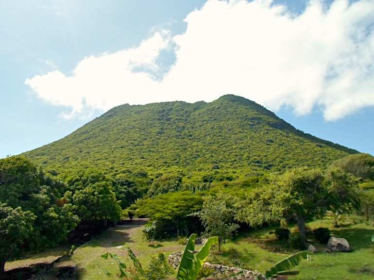 Statia the Estates Section Land For Sale - Albert & Michael - Saba Island Properties