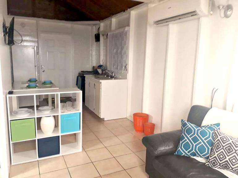 Suann's Cottage Rental - Albert & Michael - Saba Island Properties