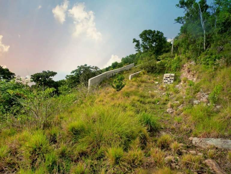 Well's Bay Land For Sale - Albert & Michael - Saba Island Properties