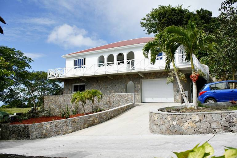 Saba on the Rocks - For Sale - Albert & Michael - Saba Island Properties
